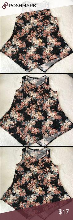 2a64b94f10a70 Star Vixen Floral Hanky Hem Top w/ Necklace Product description- - 96%  Polyester