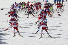 Athletes compete during the Women's 30 km Mass Start Free (c) Getty images