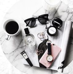 Flatlay Inspiration · via Custom Scene · White marble background with bblack accessories with a touch of pink. Tumblr Fotos Instagram, Photo Pour Instagram, Flat Lay Inspiration, Mode Inspiration, Makeup Inspiration, Flat Lay Photos, Flatlay Styling, Flatlay Makeup, Flat Lay Photography