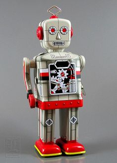 Robot Island's ROBOT 5 - gray tin wind-up // Reproduction of 1950's Japanese Robot 5.