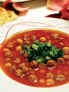 If you visit Turkey you have to try the nohutlu ekşili köfte.