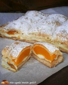 Brzoskwiniotka - kruche ciasto z brzoskwiniami i budyniem