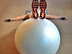 Balance Ball Workout Balance Ball Exercises, Ball Workouts, Ways To Be Happier, Exercise Ball, Strength Training, Fitness Inspiration, Fitness Motivation, Health Fitness, Healthy