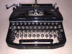 Mechanische Schreibmaschine Erika 8, Seidel & Naumann antiques typewriter