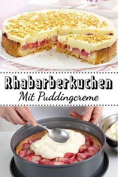 Das ist der beste #Rhabarberkuchen ever! Die cremige Puddingschicht macht ihn so unwiderstehlich.