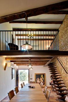 edificio que componía la antigua masia, ofrece un aspecto totalmente renovado