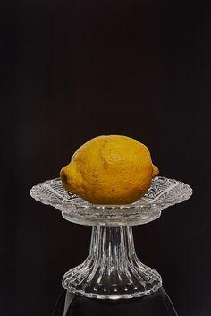Zitrone auf Schwarz