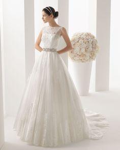 ¡Nuevo vestido publicado!  TWO by ROSA CLARÁ mod. Mahón ¡por sólo 970€! ¡Ahorra un 43%!   http://www.weddalia.com/es/tienda-vender-vestido-novia/two-by-rosa-clara-mod-mahon/ #VestidosDeNovia vía www.weddalia.com/es