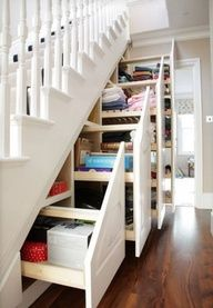So Awesome! Secret stair shelves (I wish I could make this happen in my house)