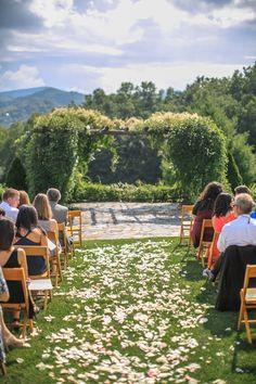 Spring Wildflower Arch Wedding Backdrop At Villa St. Clair Wedding Venue In Austin Texas ...