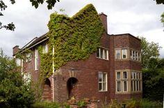 Edgecroft, Heywood, Lancashire. Photo by David Morris