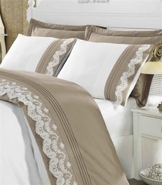 This Pin was discovered by zeh Bed Sheet Sets, Bed Sheets, Linen Bedding, Bedding Sets, Duvet, Bedroom Colors, Bedroom Decor, Bed Cover Design, Linens And Lace