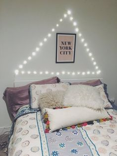 pinterest//mylittlejourney ☼ ☾♡ cute bedroom ideas eva gutowski pretty fairy lights  FOLLOW ME I PROMISE I HAVE COOL STUFF