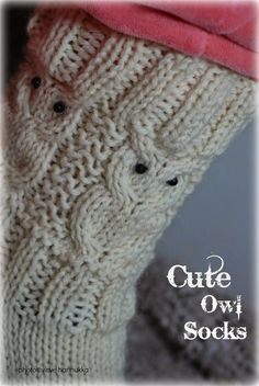 Villasukat matkalaukussa: Suloiset Pöllövillasukat (sis. ohje) Crochet Socks, Knitting Socks, Owl Socks, Owl Patterns, Cute Owl, Boot Cuffs, Marimekko, Handicraft, Fingerless Gloves