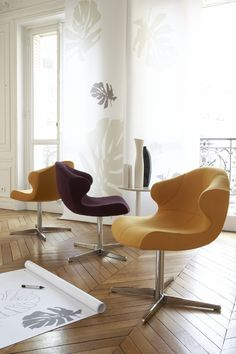 Alster by Emmanuel Dietrich, combines innovative design, outstanding comfort and an impeccable finish. It is offered with three base options, all finished in brilliant chrome.