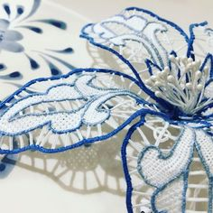@dalla_lidia_merletti #burano #lace #laceflower #broochlove #iloveit #wire #needleandthread #colourful #beautiful #fashion #shic #moda #burano #italy❤️ #style #dallalidiamerlettidarte #lacemaking #art