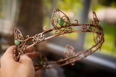 The crown 'Copper King' by eiphen on DeviantArt Fairy Jewelry, Magical Jewelry, Fantasy Jewelry, Cute Jewelry, Jewelry Accessories, Wire Jewelry Designs, Handmade Wire Jewelry, Wire Wrapped Jewelry, Wire Crown