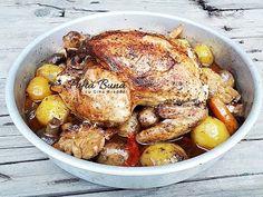Pui intreg cu legume la cuptor, reteta rapida de pui fript - YouTube Chicken Wings, Turkey, Foods, Youtube, Food Food, Food Items, Turkey Country
