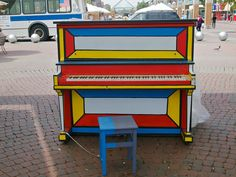"""New York, USA, 2010 - Street piano """"Play me. I'm yours."""""""