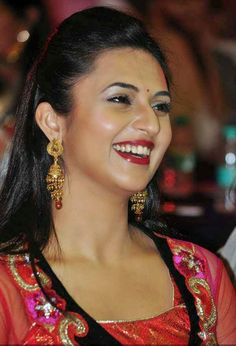 Divyanka Tripathi Height and Weight, Bra Size, Body Measurements