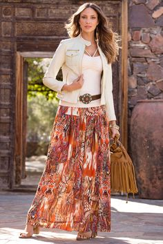 Radiate sophistication in this flowing maxi skirt in a head-turning print. With its many stunning hues, this fully-lined skirt can be paired with any wardrobe essential. Long Skirt Outfits, Maxi Outfits, Modest Outfits, Modest Fashion, Boho Fashion, Fashion Outfits, Womens Fashion, Long Skirts, Jean Skirts