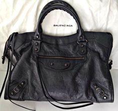 879bebc860 Ella Pretty: 5 Reasons Why I Love the Balenciaga Black City Bag The Classic  Everyday Bag