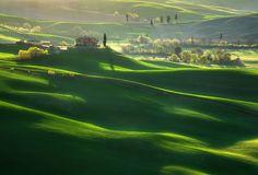 Green Waves by Krzysztof Browko {fields near Pienza}| Earth Shots