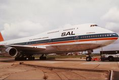 South African Airways ZS-SAT 'Johannesburg' Boeing delivered - Wikipedia, the free encyclopedia Boeing Aircraft, Passenger Aircraft, South African Air Force, Airplane Photography, Commercial Aircraft, World Pictures, European Destination, African Countries, The Good Old Days