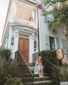 86 Cannon Historic Inn Charleston, South Carolina // Where to Stay in Charleston Usa Travel, Travel Tips, Southern Hospitality, Beautiful Hotels, Maine House, After Dark, Home And Away, Cannon, South Carolina