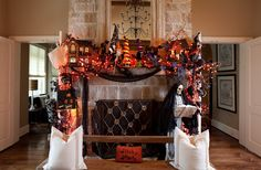 Regina Gust Designs - Halloween - These Halloween houses are so adorable and versatile! You can use them anywhere to add a touch of Holiday. Make sure to add lights in them so they sparkle at night.