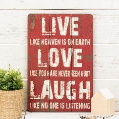 letrero: Live, love, laugh Live Love, Like You, It Hurts, Home Decor, Facebook, Signs, Wood, Men, Frases