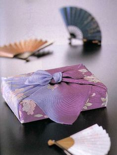 Japanese wrapping cloth, Furoshiki 風呂敷