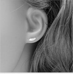 2017 Vintage Jewelry Exquisite Silver Plated Leaf Earrings Modern Beautiful Feather Stud Earrings for Women Female Bijoux Femme