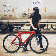 "razumichin2: ""Leading a Leader 725 fixed gear bike """