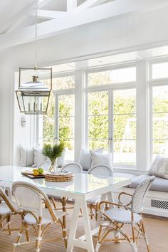 white dining room design with rattan dining room chairs and shiplap Gorgeous white & bright breakfast nook with coastal feel. Dining Nook, Dining Room Design, Dining Room Chairs, Dining Tables, Feng Shui Dining Room, Dining Set, Kitchen Dining, Home By, Classic House
