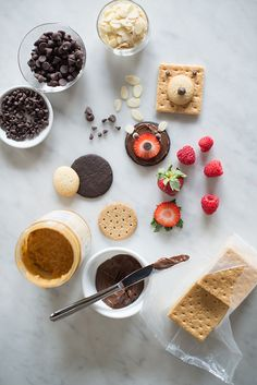 Cookie face snack ideas by Jodi Levine Cute Food, Good Food, How To Make Cookies, Fun Cookies, Dessert Recipes For Kids, Edible Food, How To Eat Better, Cooking With Kids, Curry Recipes