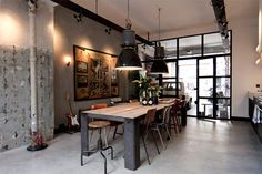 A garage converted into a loft in Amsterdam. - Home Design & Interior Ideas Loft Estilo Industrial, Industrial Dining, Industrial House, Industrial Style, Vintage Industrial, Loft Interior, Industrial Interior Design, Industrial Interiors, Interior Ideas