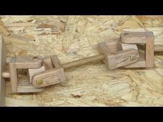 Double joint driveline explained and demonstrated. Precision Drilling, Homemade Musical Instruments, Double Jointed, Wood Joints, Wood Carving Patterns, Survival Skills, School Projects, Tool Box, Diy Crafts