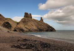 Ah, the Black Castle just south of the Wicklow Harbor in Wicklow, Ireland. I learned how to skip rocks here as a youngin'! Black Castle, Daily Photo, Monument Valley, Places Ive Been, Camel, Ireland, Places To Visit, To Go, Rocks