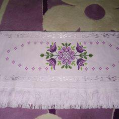 Shag Rug, Diy And Crafts, Cross Stitch, Victorian, Floral, Gull, Cross Stitch Rose, Bath Linens, Stitches
