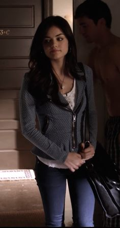 Arias Jacket. #pll #fashion #aria  Pretty Little Liars