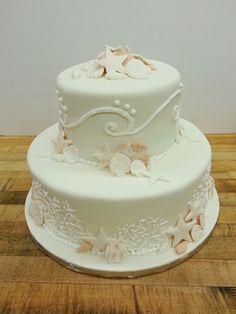 A Seashell wedding cake for a beach wedding!