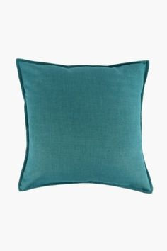 Our tweedle weave cushion is a basic scatter that looks simply great in any lounge setting. Available across cmFabric Content: Scatter Cushions, Throw Pillows, Mr Price Home, Living Room Cushions, Home Decor Shops, Cushion Covers, Weaving, Lounge, Oatmeal
