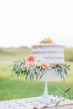 Naked One Tier Wedding Cake