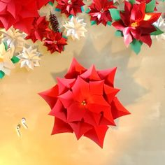 Red Poinsettia Paper Flower Tutorial – Welcome My World Christmas Flower Decorations, Christmas Arts And Crafts, Xmas Crafts, Christmas Crafts, Christmas Videos, Paper Flowers Craft, Giant Paper Flowers, Flower Crafts, Diy Flowers