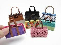 An easy DIY tutorial to mak… 7 DIY Miniature Binder Clip Barbie Mini Bags – Easy! An easy DIY tutorial to make Barbie mini. Barbie Dolls Diy, Diy Barbie Clothes, Barbie Clothes Patterns, Ag Dolls, Diy Doll, Doll Clothes, O Bag Mini, Mini Purse, Accessoires Barbie
