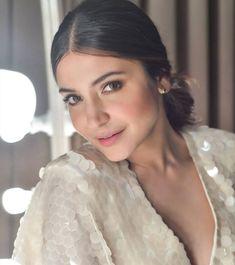 Anushka Sharma, Most Beautiful, Bollywood, Actresses, Celebrities, Beauty, Fashion, Female Actresses, Moda
