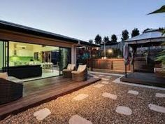 Outdoor living design with deck from a real Australian home - Outdoor Living photo 1531226 Small Outdoor Spaces, Outdoor Living Areas, Small Patio, Living Spaces, Living Room, Courtyard Design, Deck Design, Courtyard Gardens, Diy Patio