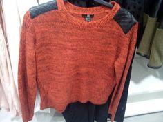 #naranjaynegro #orange #black #mixedyarm #lana #tejer #idea #colores . lanas que deben verse raras en ovillo, divertidas en la prenda