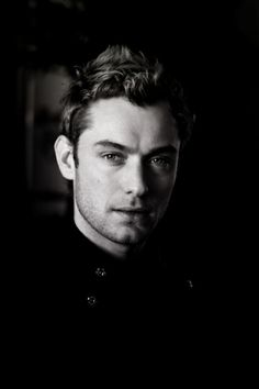 Lord have mercy, Jude Law. So fine.